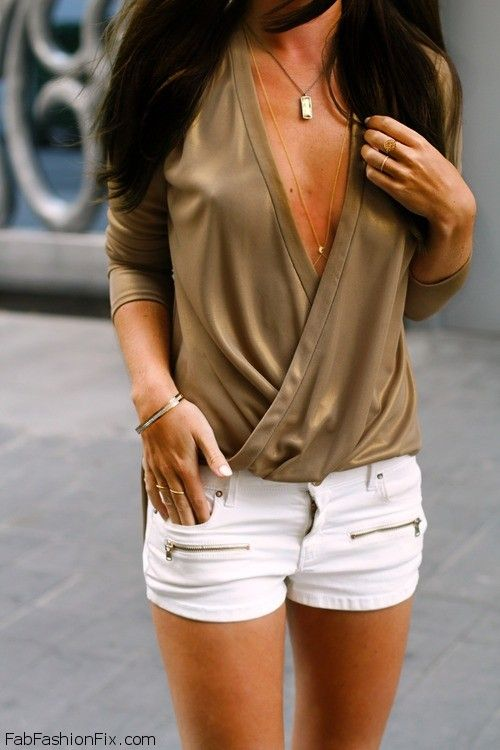 FabFashionFix - Fabulous Fashion Fix   Style Guide: How to style and wear white shorts this summer?