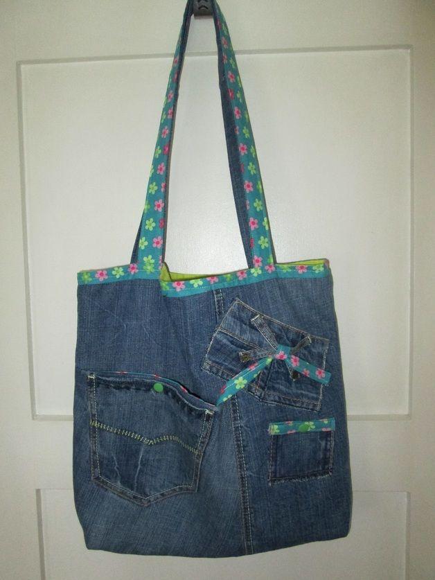 104 besten jeanstaschen bilder auf pinterest taschen n hen tasche aus jeans und tierheime. Black Bedroom Furniture Sets. Home Design Ideas