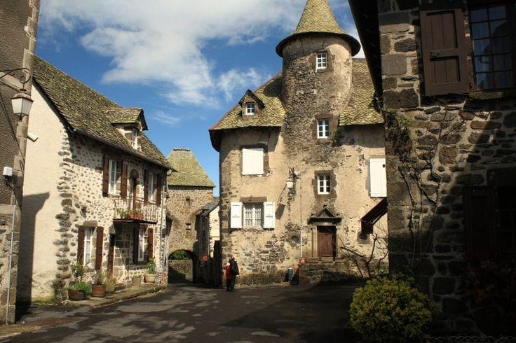 L'Auvergne, de villages en villages : 15idées de séjours en Auvergne et dans le Puy de Dôme - Linternaute