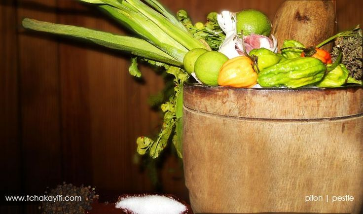wood mortar pestle essential tool in haitian cooking tchakayiti haiti cuisine gastronomy. Black Bedroom Furniture Sets. Home Design Ideas