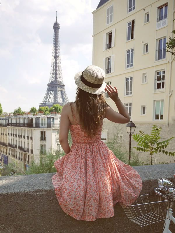 Love this so much, not even sure where to pin it! Travel? Style? Beautiful things? Travel wins for now.