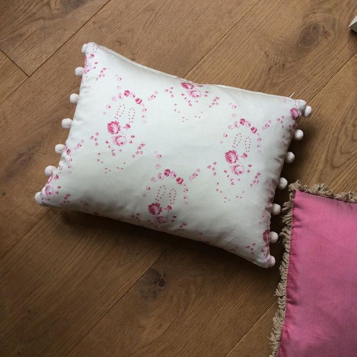 Lovely cushion for sale £22 each plus post x I have 3