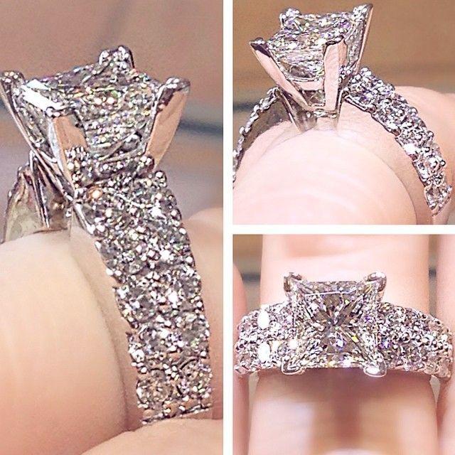 Simply love to wear this awesome diamond ring. #diamondring #engagementring #weddingring