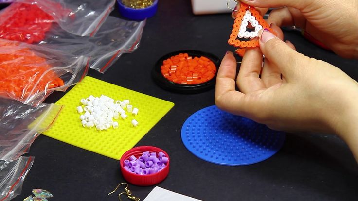 Orecchino pyssla triangolo hama beads orecchini estivi estate moda mare ...