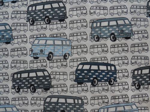 Stenzo stof, off white ondergrond met VW busjes  Prijs per 25 cm