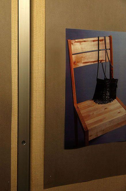"""Nahka-asusteet   -Sanna Määttä-  """"Lähtökohtana nahkamateriaalin uusiokäyttö ja valmistus nahka- asusteiksi. Projektissa tavoitteena kustannustehokas työskentely.  Osan asusteista valmistin yhteistyökumppanille, jolta sain ideoita projektiin""""."""