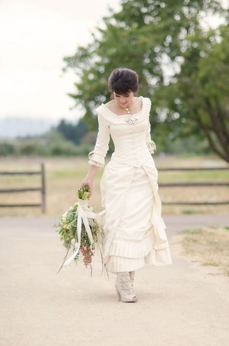 Small, Victorian wedding at Fort Vancouver. Don't usually like short dresses, but this is actually cute!