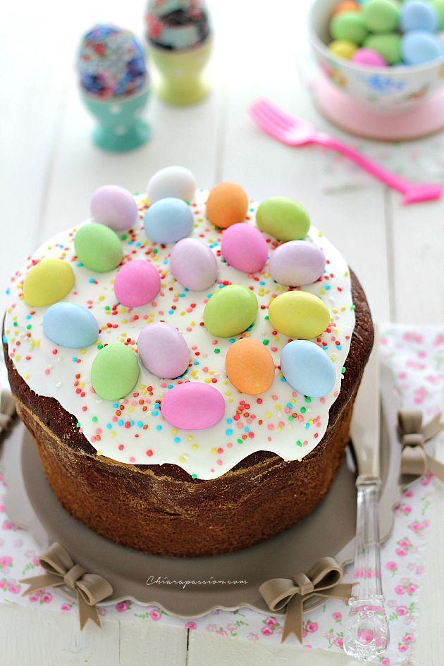 IlCasatiello dolce è una ricetta antichissima tipica campana che si prepara a Pasqua, soprattutto nelle zone costiere vesuviane. E' un dolce asciutto, perfetto per la colazione e da il meglio diséinzuppato nel latte,è tradizione a Pasqua fare colazione con una bella fetta di casatiello. Grazie