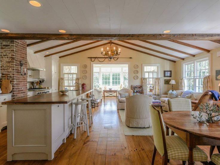 Charming Dreamhouse Living Room