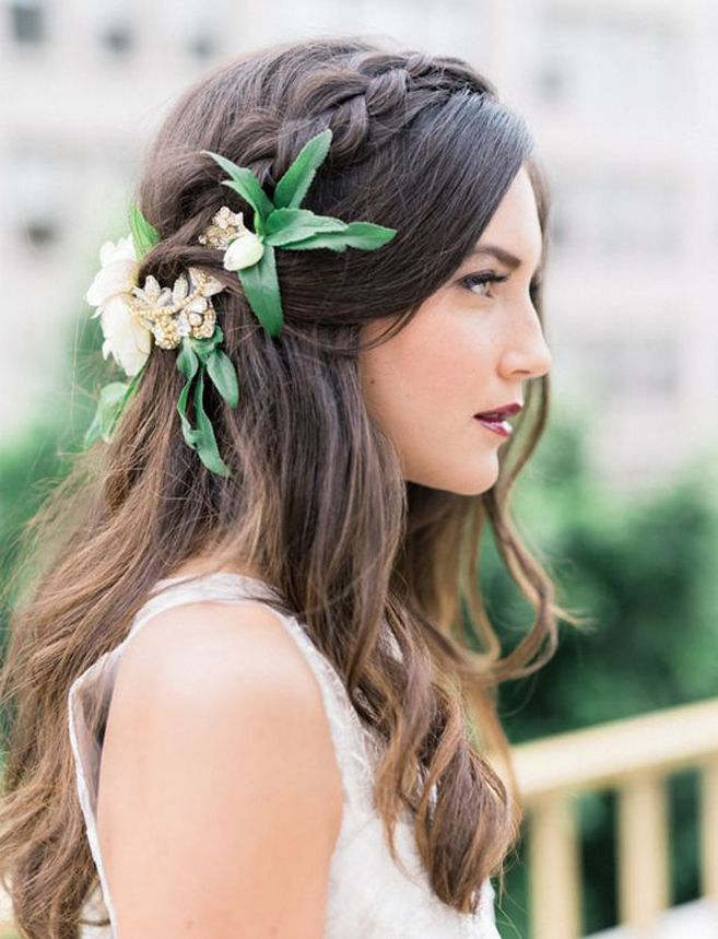 Peinados para novias semirrecogido con trenza