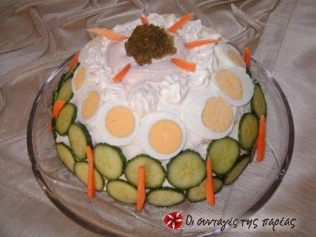 Μια αλμυρή τούρτα που θα μπορούσε να είναι και το κεντρικό πιάτο σε ένα εορταστικό τραπέζι.