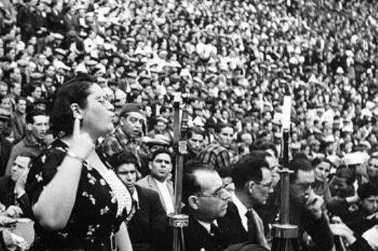 Federica Montseny Mañé fue una política y sindicalista anarquista española, ministra durante la II República española, siendo la primera mujer en ocupar un cargo ministerial en España y una de las primeras en Europa Occidental.