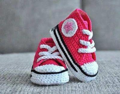 Delicadezas en crochet Gabriela: Calzado niños Converse al crochet