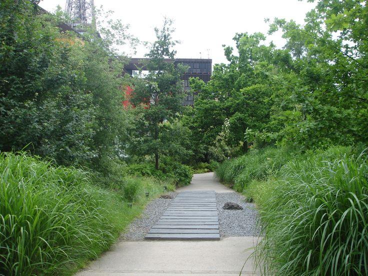 Jardin du mus e du quai branly arts premiers 7 me for Jardin quai branly