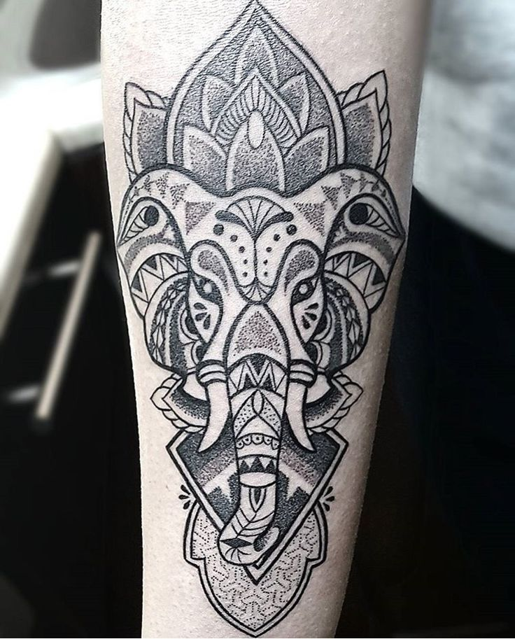Brolin Kosta Tattoo