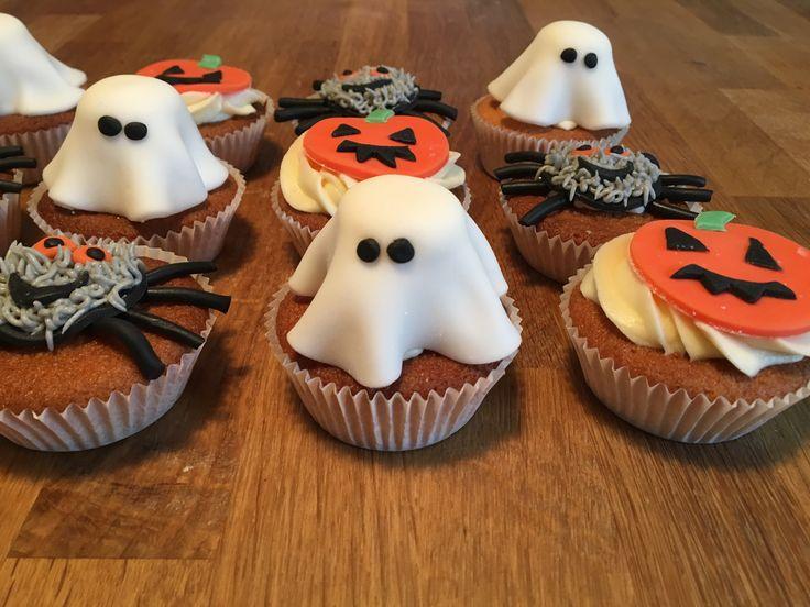 Halloween Cupcakes ghost spider pumpkin spooky