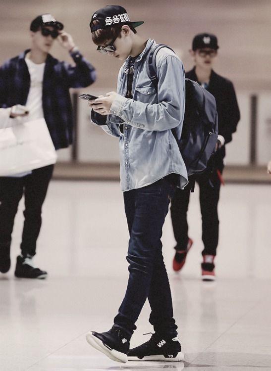 chanyeol airport fashion