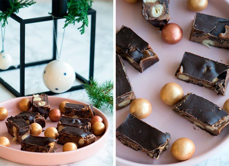 Lækker konfekt med nougat i kombination med knas fra hasselnødder og sprødhed fra mørk chokolade - få opskriften på de lækre nougatbrud her