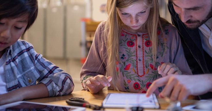A Maine School District Struggles with Apples Notebook Pricing