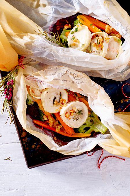 Weihnachtsessen Vegetarisch.Gemüsegeschenk Mit Ziegenkäse Und Brotcrunch Rezept Vegetarische