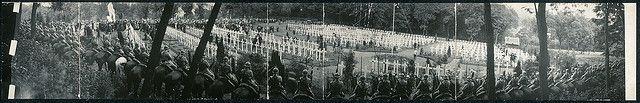 """Cérémonie du """"Memorial Day"""" au Cimetière Américain de Suresnes, le 30 Mai 1920 (LOC)   Flickr - Photo Sharing!"""
