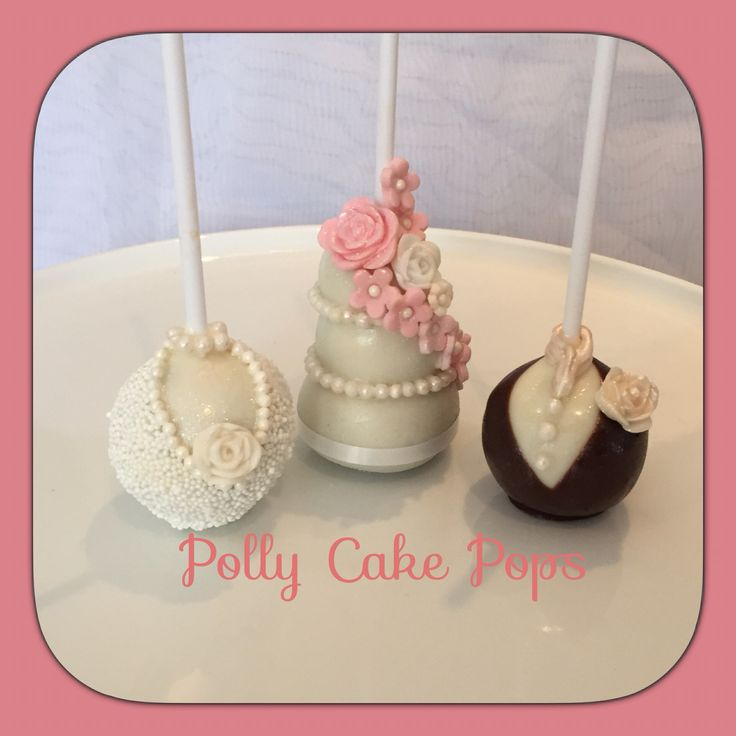 Bride & Groom with (wedding cake) cakepop.# wedding # cakepops #bride