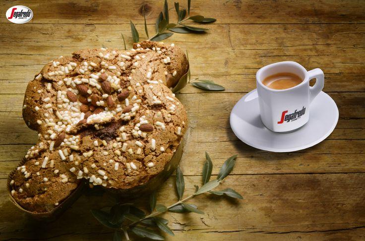 Wielkanoc we włoskim stylu? Koniecznie w towarzystwie Colomba Di Pasqua - puszystej babki z migdałami w kształcie gołębia oraz klasycznego espresso, które wspomoże trawienie świątecznych specjałów. #segafredo #segafredozanetti #segafredozanettipoland  #wielkanoc #colombadipasqua #włoskiezwyczaje #espresso #kawa #coffee #easter #italiantradition