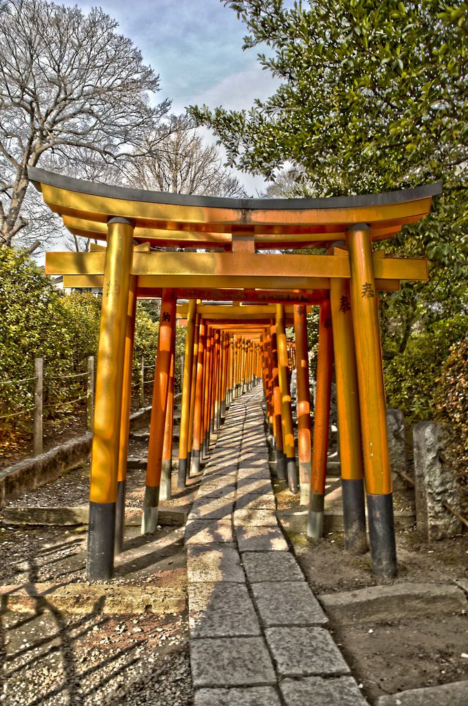 Wooden archway at Nezu Shrine, Ueno (HDR) | by Melanie Coppola