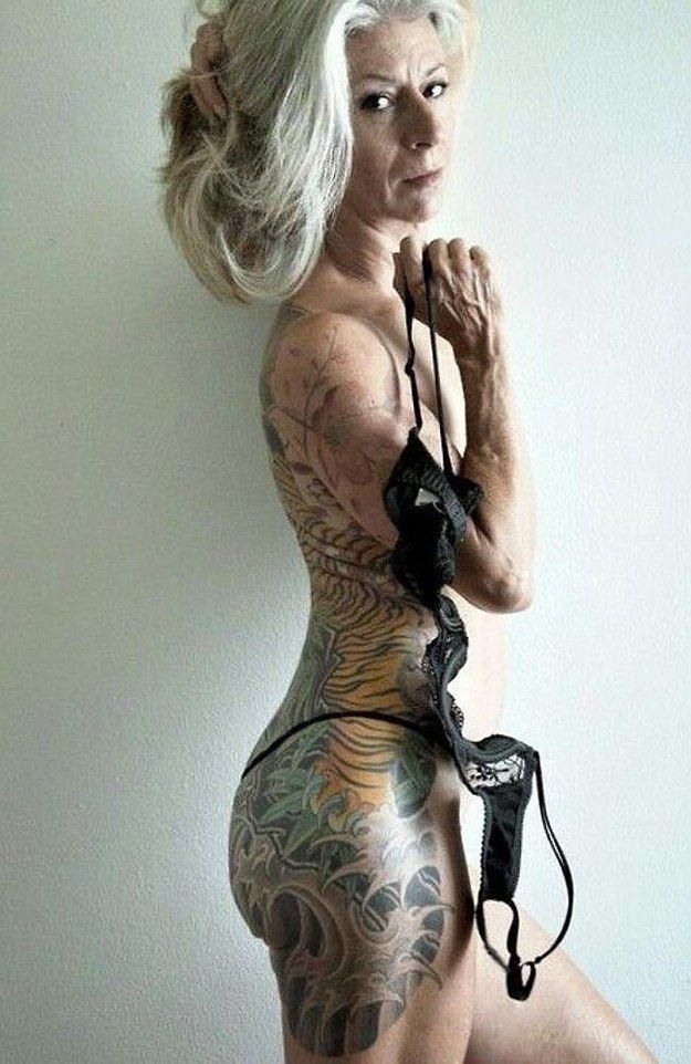 Qui a dit qu'on ne pouvait pas être vieux et tatoué?   À quoi ressemblera votre tatouage dans 40 ans?