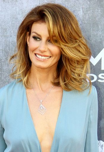 Faith Hill-Celebrity Inspired Hair Highlights for Brunettes l www.sophisticatedallure.com