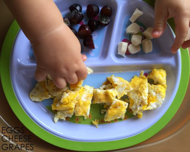 So many of you LOVED my original 10 Easy Toddler Meals post.  Therefore, I decided to do another one!   My son still eats pretty much wha...