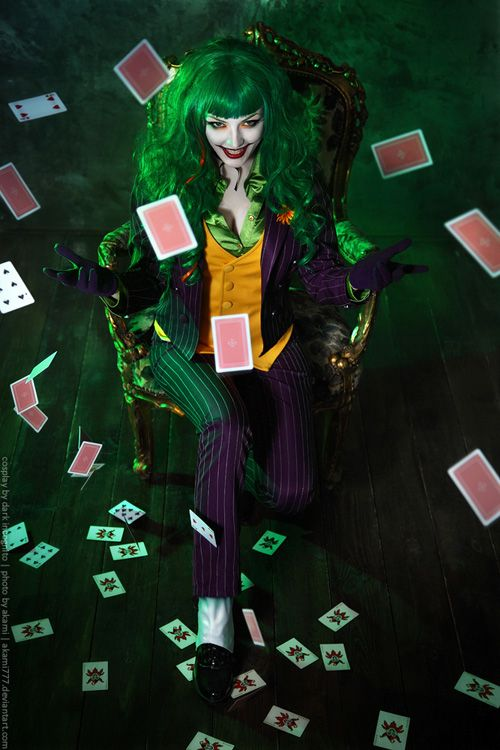 Female Joker Cosplay http://geekxgirls.com/article.php?ID=9386