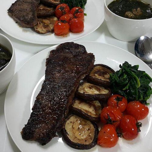 집에서 만든 생일 저녁. 미역국 한우스테이크 그외 버섯과 토마토와시금치. Homemade birthday dinner. Korean seaweed soup Korean hanwoo sirlion steak confit tomatoes mushroooms spinach. #키토 #키토제닉 #오늘의키토식 #lchf #keto #ketogenic #ketoindaegu #ketoinkorea #팔레오 #paleoinkorea #paleo #paleodiet #한우스테이크 #birthdaymeal - Inspirational and Motivational Ketogenic Diet Pins - Eat Keto Get Into Nutritional Ketosis - Discover LCHF to Prevent Diseases - Enjoy Low-Carb High-Fat Lifestyle For Better Health