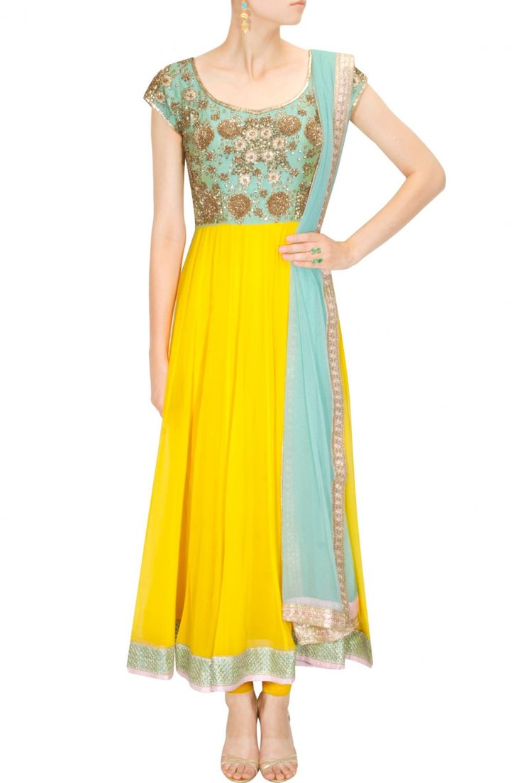 Chhavvi Aggarwal - Not a big fan of the color combo. But remember to click link to look at the back!