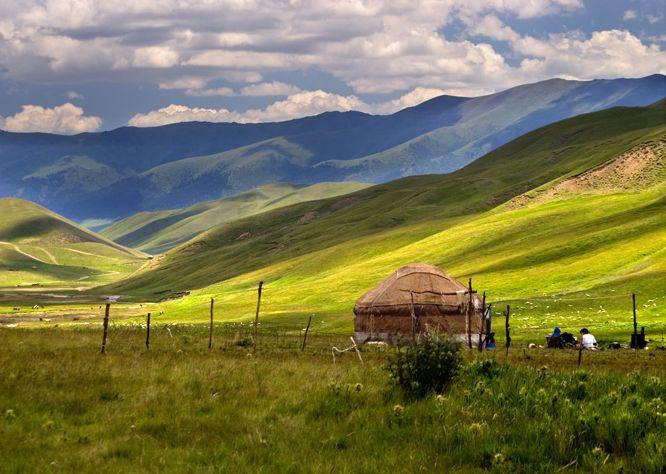 Kasachstan,  Steppe und  Berge