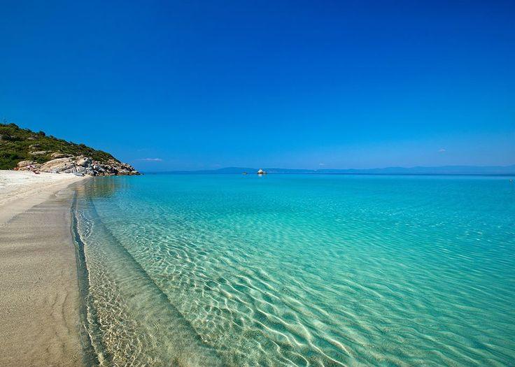 Crystal clear sea in Halkidiki, Northern Greece CallGreece.gr