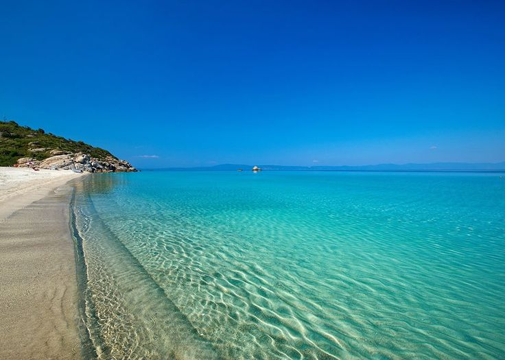 Crystal clear sea in Halkidiki, Northern Greece CallGreece.gr