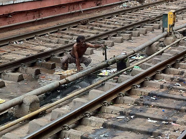 India - Delhi - Railways Station Photographed by Renato Siani