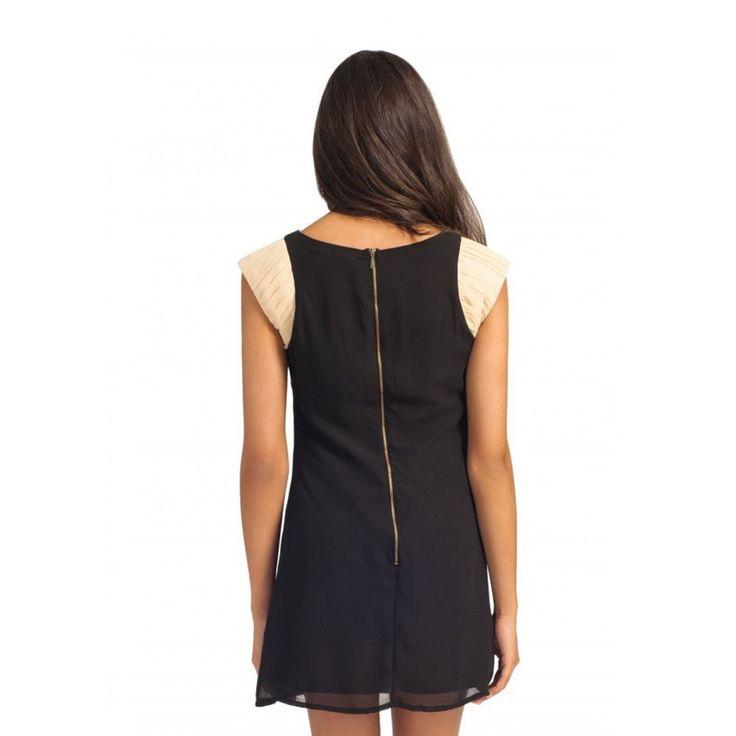 Women Dress in Black Colour :http://partydressesideas2015.com/women-dress-in-black-colour.html