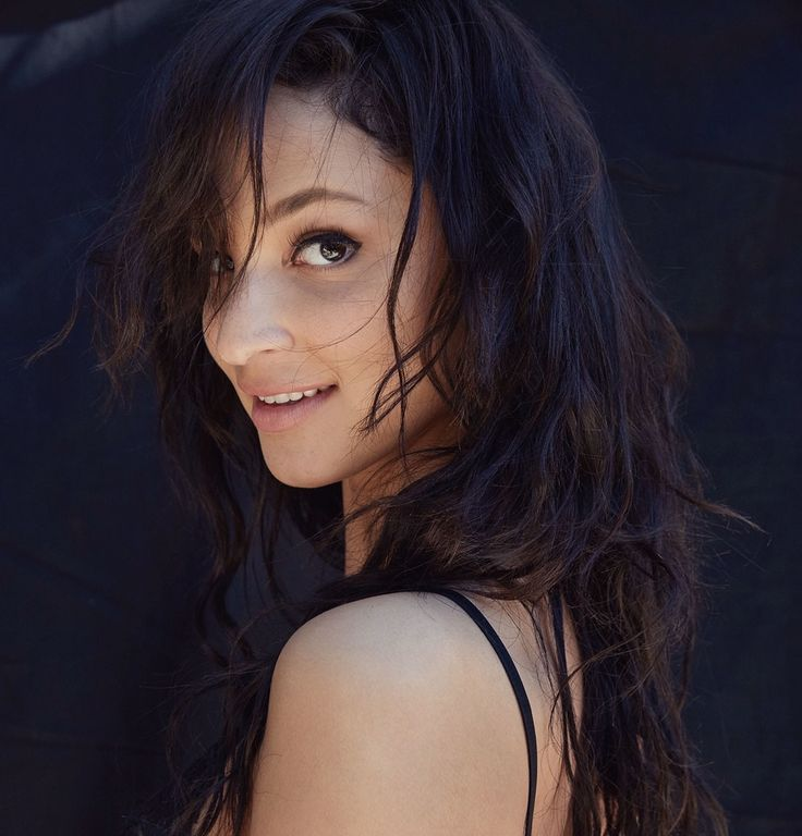 from jaehakim.com: Ruby Modine grew up watching her parents, actors Matthew Modine and Caridad Rivera, work in Hollywood. Modine, 27, is one of the stars of the Showtime series,