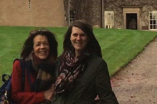 """Фото привидения: уникальный снимок призрака женщины с ребенком признан настоящим   http://joinfo.ua/curious/1188521_Foto-privideniya-unikalniy-snimok-prizraka.html  Семья британцев сделал снимок таинственной """"призрачной фигуры с ребенком на руках"""" во время визита в замок с привидениями. Это фото привидения стало достоянием Национального фонда Шотландии SWNS. Фото привидения: уникальный снимок призрака женщины с ребенком признан настоящим  , подробнее..."""