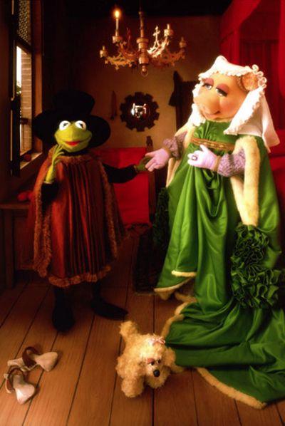 Jan Van Eyck S Arnolfini Wedding Portrait Reenacted By Kermit And Miss Piggy Wallpaper Background Photos Of The Muppets Fine Art Parody For Fans