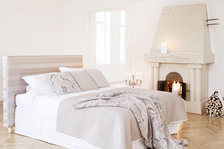 URSULA-päiväpeite on saatavilla myös puolipeitteenä. Kaveriksi tyyny samaa sarjaa. #lennol #spring #bedspread #cushion #inspiration