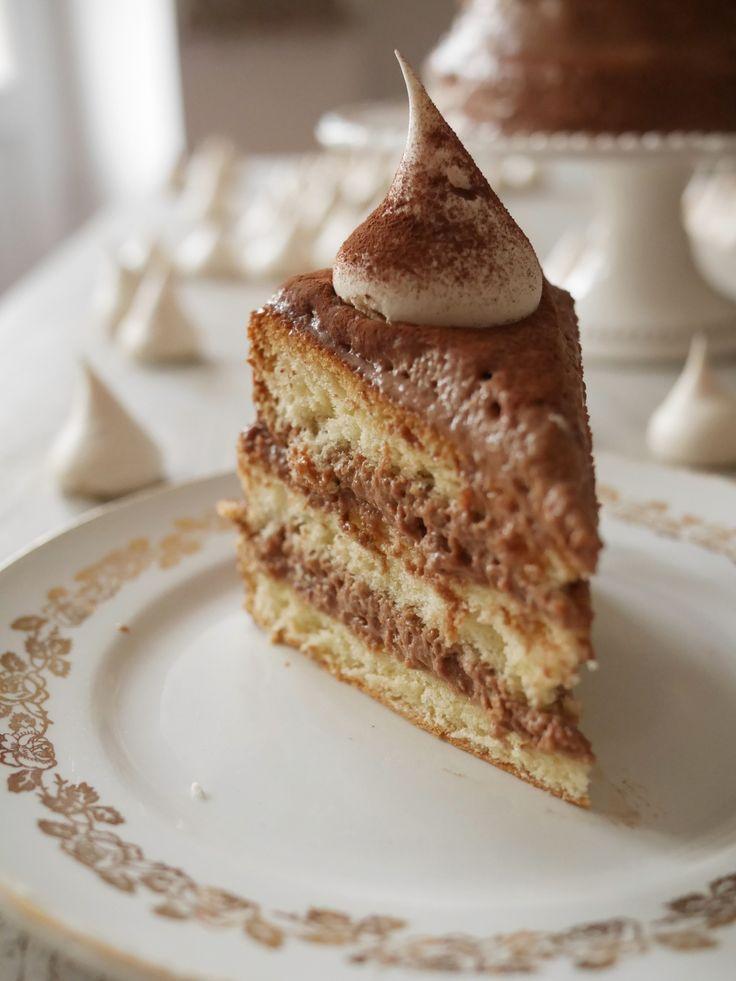 Layer cake à la mousse au chocolat au lait et caramel au beurre salé