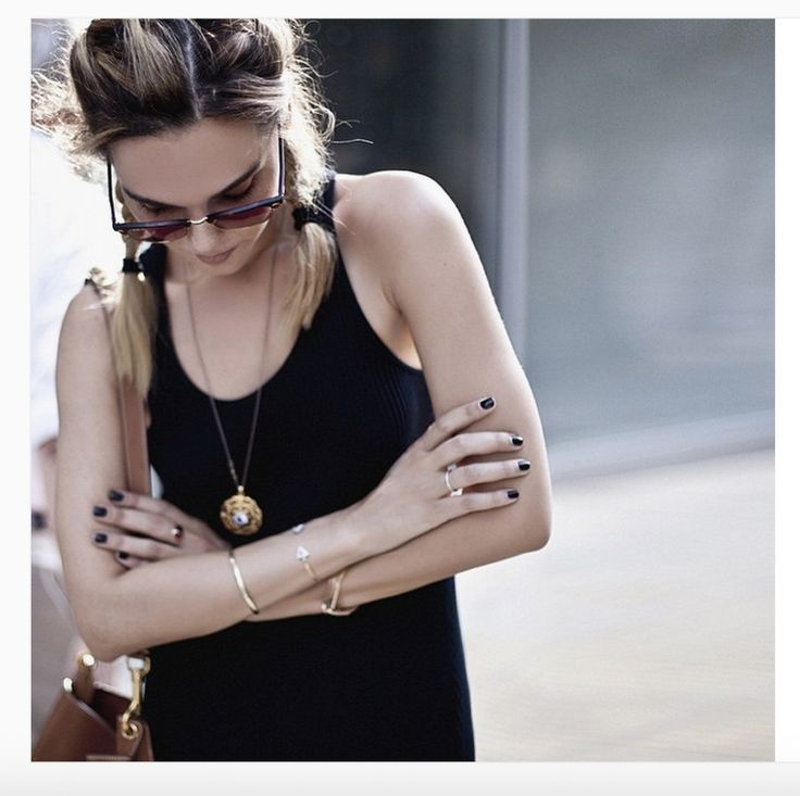 """STYLEHEROINE.COM FOR THEDDIARY! Awarded blogger, StyleHeroine miss Evangelie Smyrniotaki has long been our style-blog favourite. The girl knows her posing! Wearing our Danelian Diamonds Club """"Division"""" bangles on her insta-post. #StyleHeroine #blogger #diamonds"""