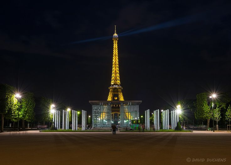 The Eiffel tower behind the Wall of Peace by David Duchens on 500px