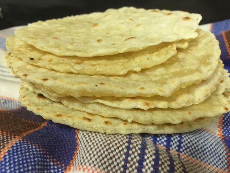"""Bake and Cake –Atortillaou """"tortilha mexicana"""" é um gênero de pão folha, feito com farinha de milho ou de trigo. É base de comidas típicas como burritos, tacos, fajitas e tamb…"""