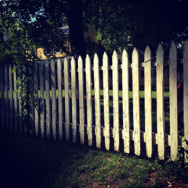 28 best yellow house yellow barn images on pinterest for White garden fencing ideas