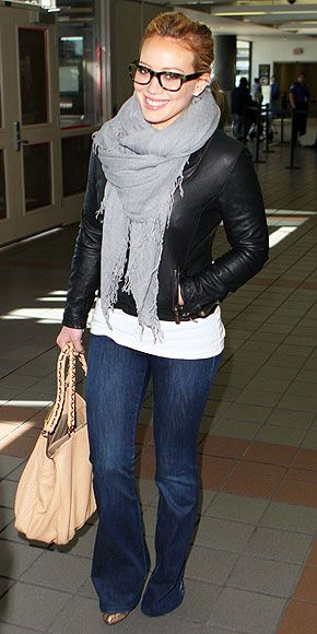 airport styleFashion, Leather Jackets Outfit, Airports Style, Nerdy Glasses Outfit, Jeans Jackets Style, Hilarious Duff, Scarves, Casual Looks, Scarf
