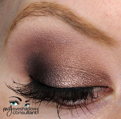 Satin Taupe (inner half of lid) Beauty Marked (outer half of lid) tease - Quarry (crease) – you could also use 'Copperplate' here Blanc Type (blend)